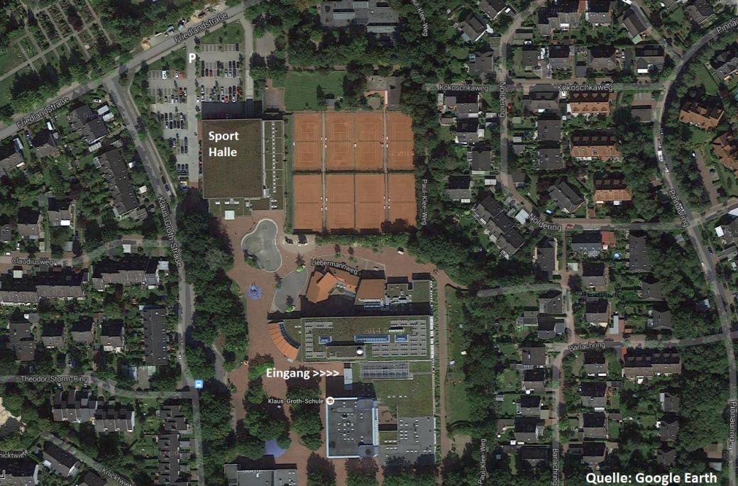 KGS Gelände mit Parkplätzen und Eingangs Info